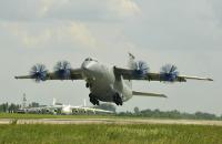 """""""Антонов"""" запропонував США разом побудувати новий літак Ан-77"""