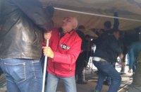 Митингующие установили палатки возле Рады (обновлено)