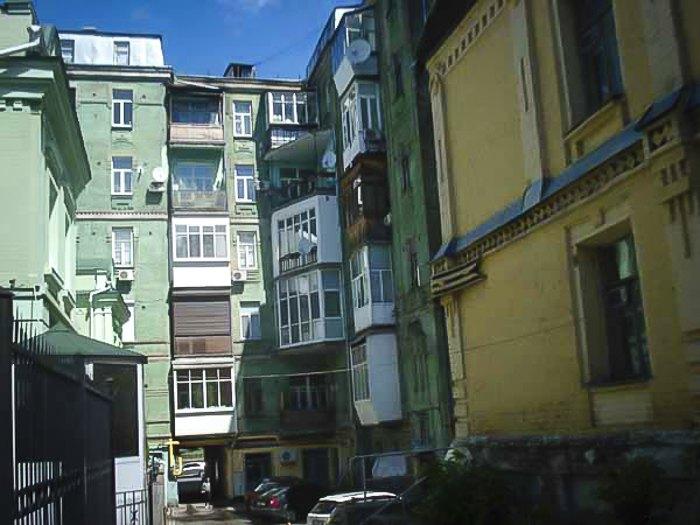 Дом по улице Артема 55 (ул. Сечевых Стрельцов)