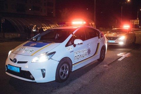 У Києві патрульні застосували зброю при затриманні водія, який протаранив поліцейське авто