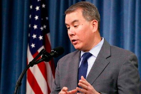Замминистра обороны США, который был против задержки военной помощи Украине, ушел в отставку