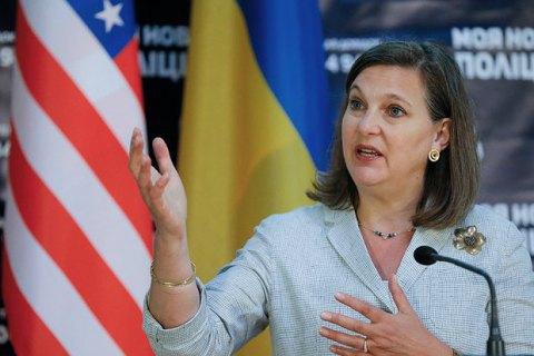 Нуланд умовляла депутатів прописати в Конституції особливий статус Донбасу