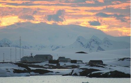 Антарктична станція Академік Вернадський