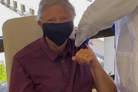 Білл Гейтс вакцинувався від коронавірусу