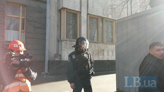Милиционер, который агресивно вел себя с депутатом Денисовой