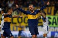 """Легенда """"Ромы"""" едва не проломил живот партнера по новой команде в матче чемпионата Аргентины"""