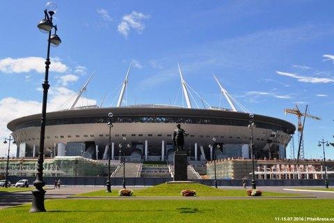 """У Санкт-Петербурзі завершилося 10-річне будівництво стадіону """"Зеніт Арена"""""""
