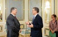 Порошенко обговорив з послом США стан релігійної свободи в Україні