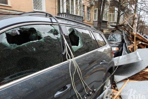 Сильный ветер обесточил более 500 населенных пунктов в Украине