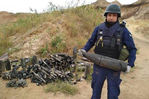 ДСНС вилучила 150 вибухонебезпечних предметів після пожежі на складі боєприпасів під Маріуполем