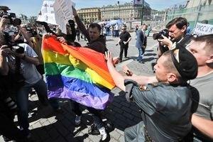 Евродепутат предлагает отменить в Украине Евро из-за срыва гей-парада