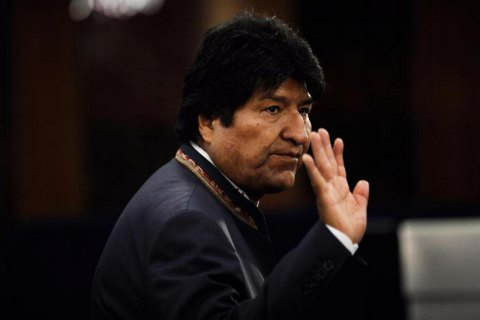 Президент Кубы призывает гарантировать физическую целостность Эво Моралеса