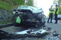 Возле Киева автомобиль такси врезался в экскаватор, водитель погиб