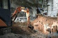 КГГА продолжит раскопки на Почтовой после укрепления свай и опор