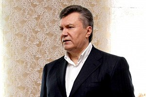 Янукович: за законом про біопаспорти, в тіла нічого не зашиватимуть