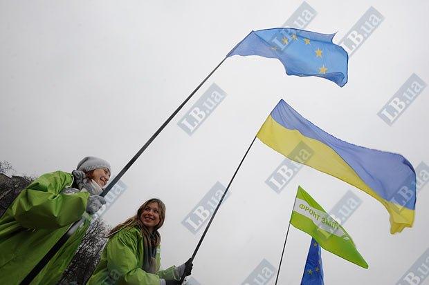 Украинская оппозиция настойчиво старается поддержать интерес ЕС к Украине