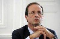 В самолет президента Франции попала молния