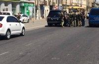 З кредитної установи в Одесі звільнили двох заручниць, зловмисника затримали (оновлено)