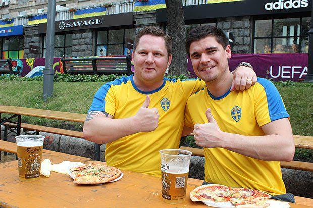 Шведи: просто попити пива - це найбільша подія для нас