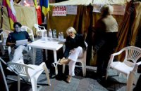Спостерігачі здивовані, що намети прихильників Тимошенко досі стоять