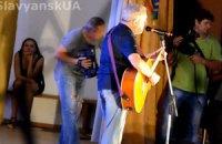 Макаревич выступил перед переселенцами в Святогорске