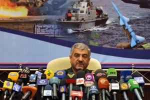 """Иранский военный лидер назвал США """"Большим Сатаной"""""""