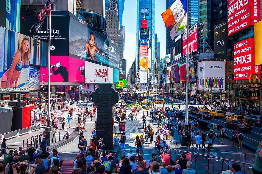 Таймс-сквер в центре Ньюйорка