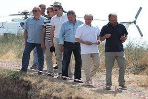Путин нырнул посмотреть на жизнь древних греков