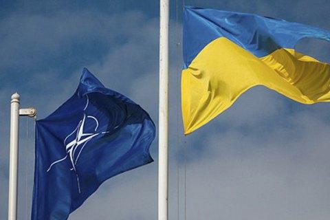 Президент ввел в действие решение СНБО об углублении интеграции Украины в НАТО