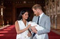 Меган Маркл і принц Гаррі показали перше фото новонародженого сина