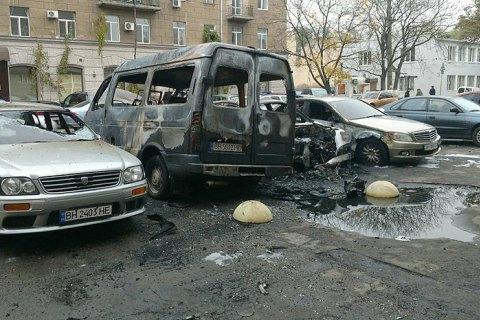 В Одессе подожгли 18 автомобилей в трех местах