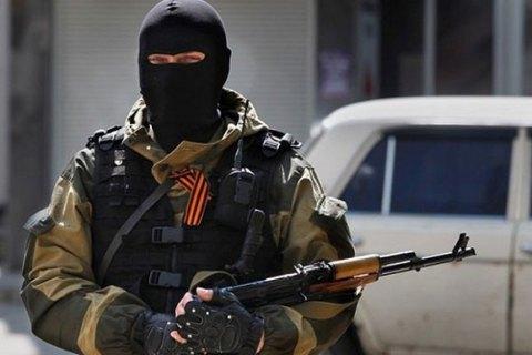 За сутки боевики 13 раз обстреляли позиции украинских военных