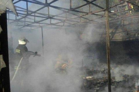 На Троещинском рынке в Киеве сгорели несколько павильонов