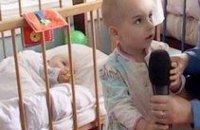 Мать-алкоголичка бросила под дождем 2-х малолетних детей