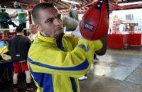 Українські боксери нокаутували своїх суперників на великому вечорі боксу у США