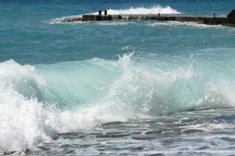 В Крыму из-за шторма погибли шесть человек