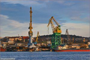 Севастополь допомагає заводу Порошенка