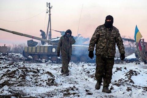 На Донбасі загинув український військовий, 10 бійців - поранено