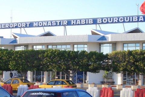 Кілька сотень українських туристів застрягли в туніському аеропорту