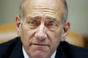 Екс-прем'єра Ізраїлю засудили на рік умовно