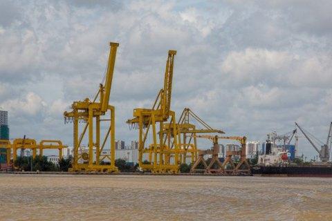 """Поліція висунула підозри за рейдерське захоплення української частини порту """"Лотос"""" у В'єтнамі"""
