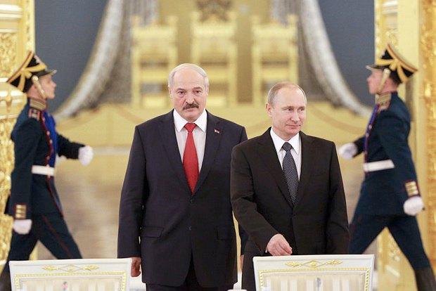 Владимир Путин и Александр Лукашенко во время встречи в Кремле, 03 марта 2015.