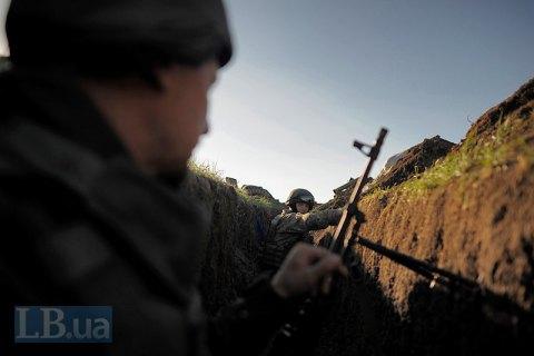 За сутки один военнослужащий получил боевую травму на Донбассе