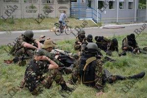"""Бойовики, видаючи себе за """"мирних жителів"""", намагаються покинути Слов'янськ, - прес-секретар АТО"""