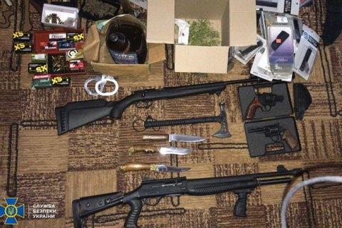 В Киеве задержали организатора группировки торговцев оружием