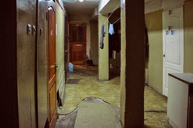 Коридор общежития, в котором живет Максим
