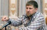 Кадиров подарував Януковичу кинджал і папаху