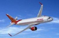 В Индии при приземлении развалился самолет, есть погибшие и пострадавшие (обновлено)