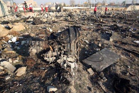 Украина продолжает настаивать на расшифровке черных ящиков сбитого самолета МАУ на своей территории