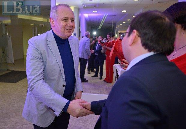 Олег Зарубинский (слева)
